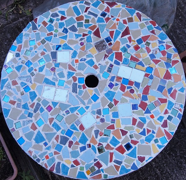 DIY Project 3; Cable Spoon > Mosaic Garden Table (1/4)