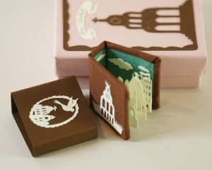 http://elsita.typepad.com/miniatureartistsbooks/