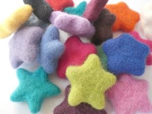 100-wool-felt-stars-set-of-20-1482-p(1)